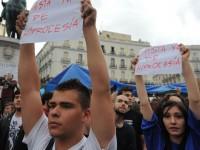 Los jóvenes españoles son más conservadores y están más comprometidos con la sociedad
