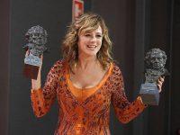 Emma Suárez y JA Bayona, los grandes triunfadores de los Premios Goya