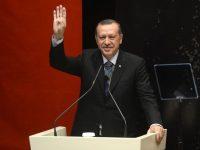 Manifestación multitudinaria en Turquía contra Erdogan