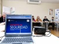 """La Alcaldesa preside la presentación de la campaña """"Comercio Seguro"""" para los comerciantes de Benalmádena"""