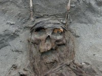 Se descubren tumbas milenarias en Perú