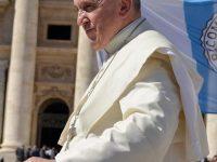 Polémico viaje del Papa Francisco por Asia