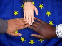 La Unión Europea estudia repartir el reto de la migración