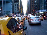 La UE acuerda reducir las emisiones contaminantes de vehículos en un 35% para 2030